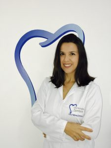 dra.  Maria de Fátima Zambom Souza - Cirurgiã Dentista - Especialista em Odontopediatria
