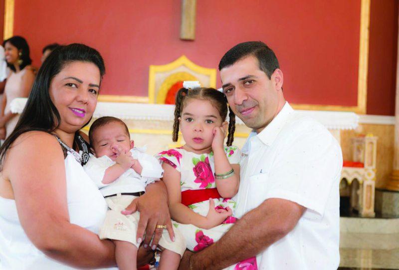 Batizado do Théo, filho do casal Mauro e Cristiane(Drogaria Essencial) junto da princesa Anna Maria - Família na Graça de Deus !