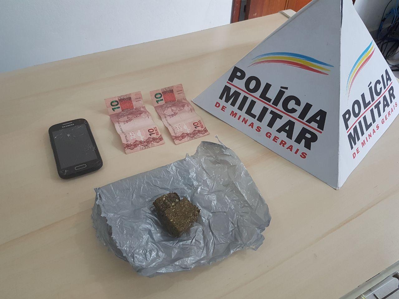 POLÍCIA MILITAR PRENDE MULHER QUE ESCONDEU MACONHA EM VEÍCULO QUE FAZ ENTREGAS PARA O PRESÍDIO