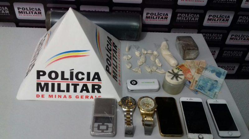POLÍCIA MILITAR APREENDE VEÍCULO DA ASSISTÊNCIA SOCIAL QUE ERA USADO PARA BUSCAR DROGAS EM AIMORÉS