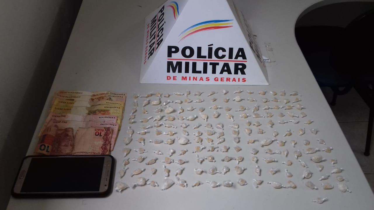TRAFICANTE SE ESCONDE EM MONTE DE LIXO MAS ACABA PRESO PELA POLÍCIA MILITAR