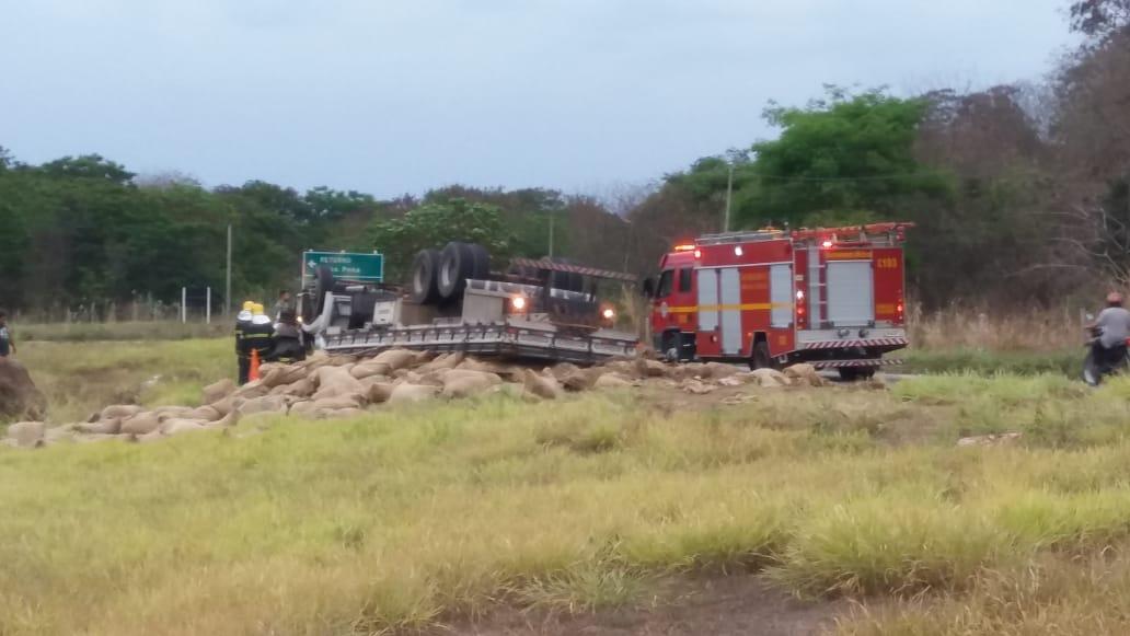 GRAVE ACIDENTE NA BR-259 – TREVO DE CONSELHEIRO PENA