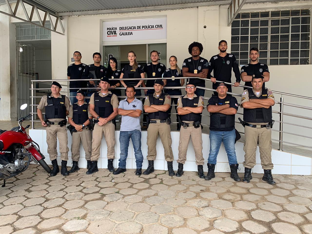 AÇÃO CONJUNTA DAS POLÍCIAS CIVIL E MILITAR PRENDEM TRAFICANTES, DROGAS E ARMA EM GALILEIA