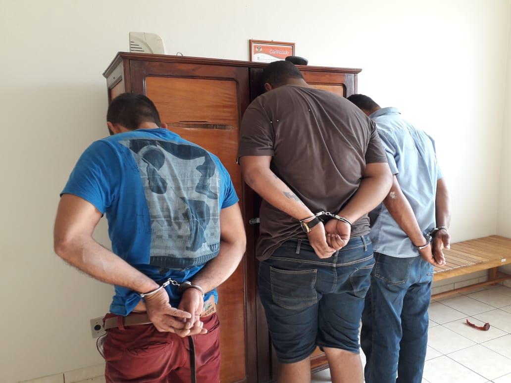 POLÍCIA MILITAR AGE RÁPIDO E PRENDE ASSALTANTES DE AGÊNCIA DOS CORREIOS EM ITUÊTA