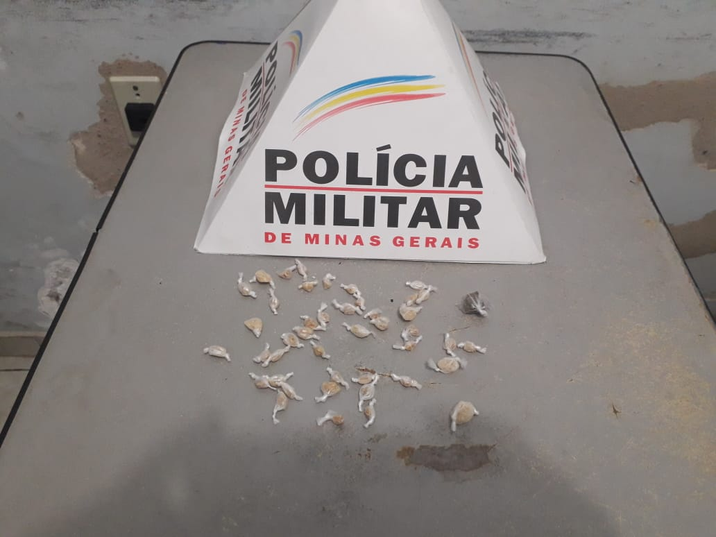 CAI MAIS UM TRAFICANTE E PM IMPÕE BAIXA NO CRIME DO MORRO DA MATRIZ