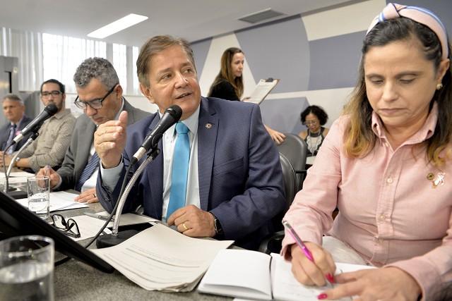 DEPUTADA CELISE LAVIOLA APRESENTA EMENDA DE R$ 1.578.000,00 PARA INVESTIR EM HEMODIÁLISE DE AIMORÉS E ALMENARA
