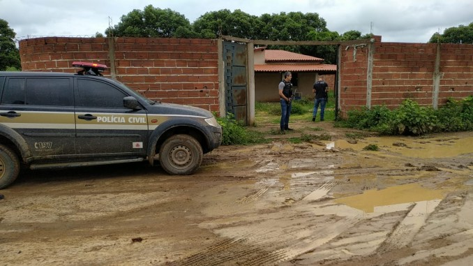 POLÍCIA CIVIL ESTOURA CATIVEIRO E RESGATA REFÉNS