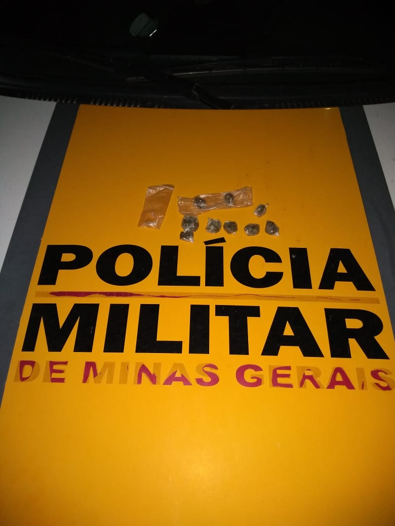 POLÍCIA MILITAR RODOVIÁRIA APREENDE NA BR 259 ADOLESCENTES SUSPEITOS DE TRÁFICO