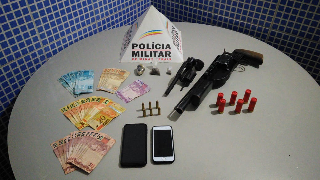 POLÍCIA MILITAR APREENDE ARMAS E DROGAS EM AIMORÉS
