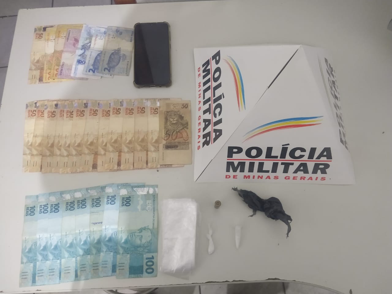 POLÍCIA MILITAR PRENDE TRAFICANTE QUE AMEAÇOU MORADOR NO BENEVIDES/COHAB