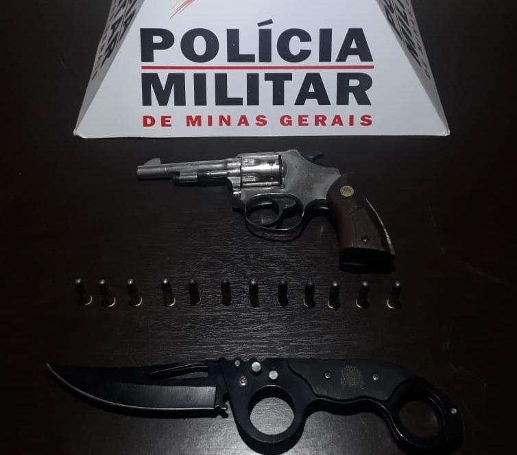 POLÍCIA MILITAR PRENDE HOMEM COM REVOLVER NA CINTURA