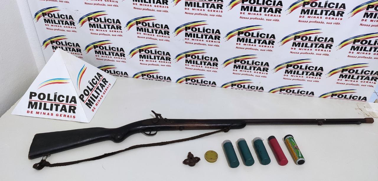 POLÍCIA MILITAR APREENDE ESPINGARDA ILEGAL